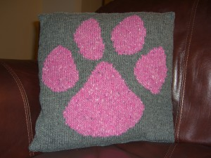 Mewsley's paw print
